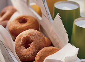 Doughnuts con salsa de manzanas